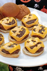 Jack-o-Lantern-Cheeseburgers