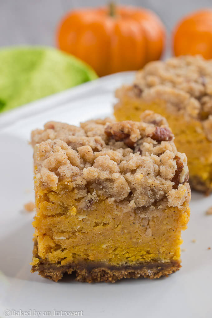Thick-Pumpkin-Crumble-Bars-1